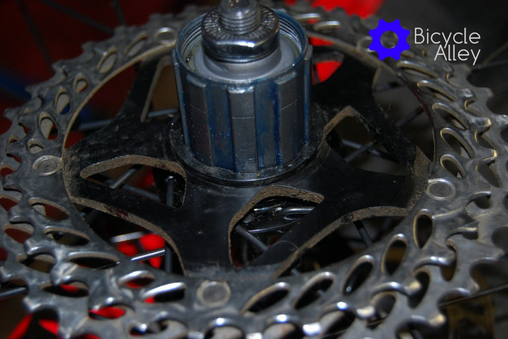 First sprocket installed on a freehub.