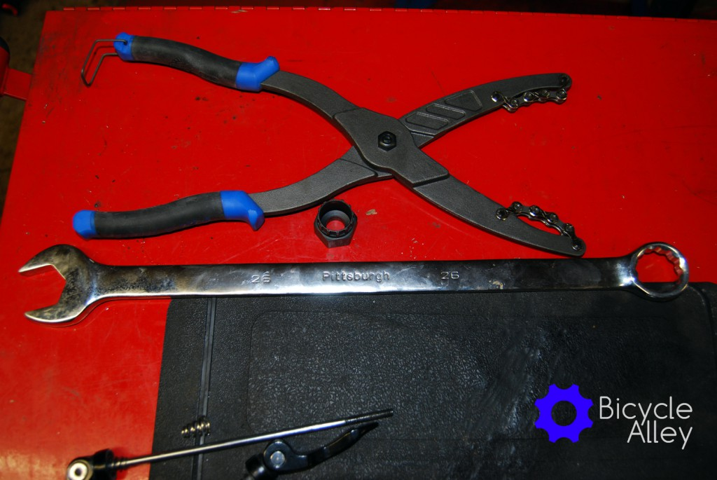 The Park Tool CP-1 cassette pliers or chain whip pliers, and the Park Tools FR-5 tool sitting next to the pliers.